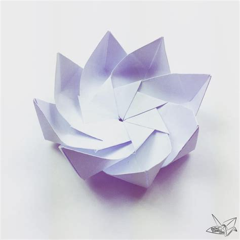origami white paper modular origami lotus flower with 8 petals tutorial