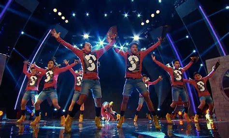 asia s got talent vote dancers in high heels slip to asia s got