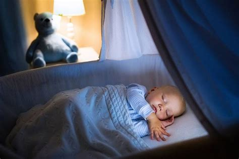 trying to get baby to sleep in crib how to get baby to sleep in bassinet easy 3 step