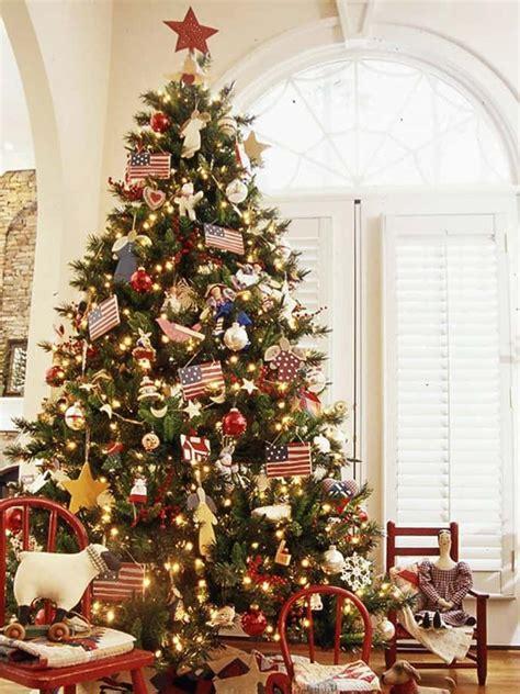 Christmas Tree Decorator by 25 Beautiful Christmas Tree Decorating Ideas