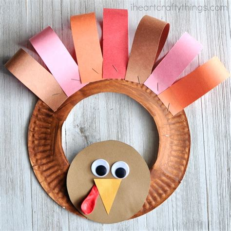 thanksgiving paper plate turkey craft paper plate thanksgiving turkey wreath i crafty things