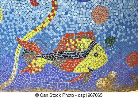Garten Der Qualen Pdf by Stock Bilder Fische Mosaik Kunst Auf Brunnen