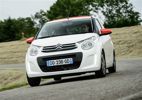 Citroen C1 Mpg by Citro 235 N C1 Hatchback 2014 Running Costs Parkers