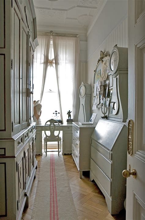 interior design decorating for your home 35 hallway decor ideas to try in your home keribrownhomes