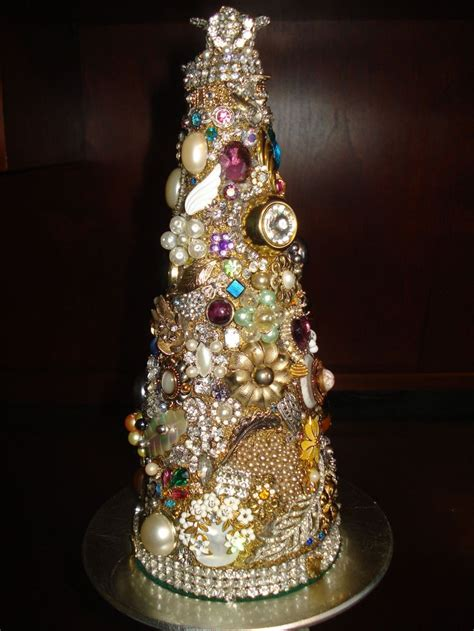 how to make a vintage jewelry tree pretty cool tree out of vintage jewelry crafty