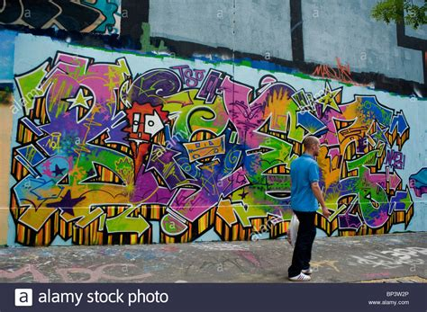 spray paint wall painted wall with spray paint