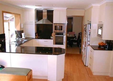 g shaped kitchen layout ideas delightful 1000 images about g shaped kitchen layouts on u small kitchen layout ideas
