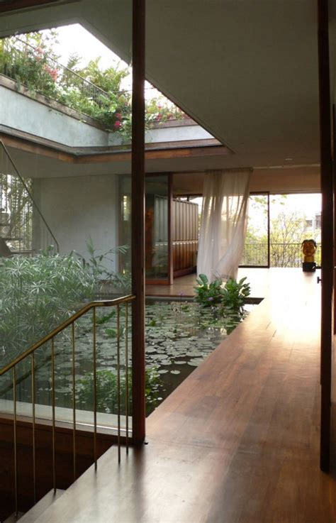 homes with courtyards 10 the most cool and amazing indoor courtyards digsdigs