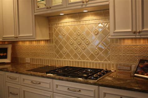 installing ceramic tile backsplash in kitchen how to install ceramic tile backsplash in kitchen easy