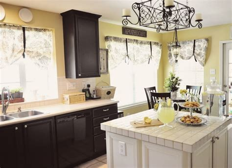 paint colors for the kitchen with white cabinets paint colors kitchen cabinets with black paint and white