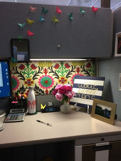 office decor ideas for work best 20 cubicle organization ideas on work