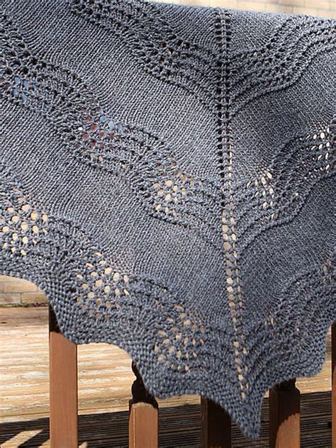 knitting shawls for beginners 25 best ideas about lace knitting patterns on