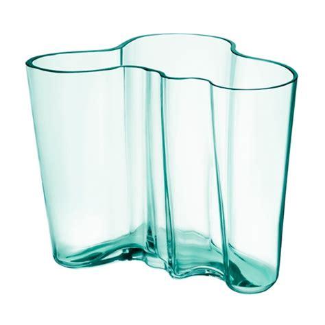 water in vases iittala aalto water green vase 6 1 4 quot iittala alvar