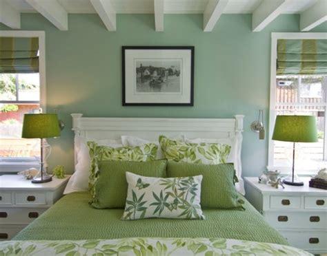 modern paint colors for small spaces 10 dormitorios de pareja decorados en verde y blanco