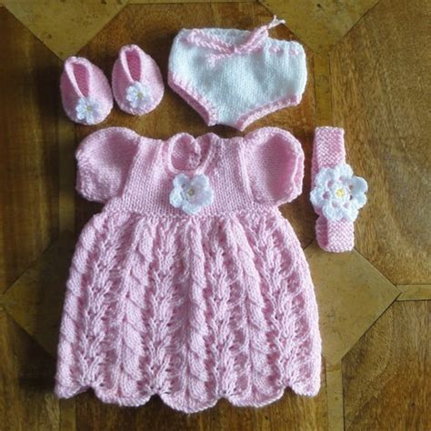 free knitting patterns for 18 inch baby dolls baby doll clothes knitting patterns images