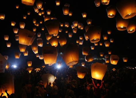 china s lantern festival and an unfortunate ending photos the big picture boston