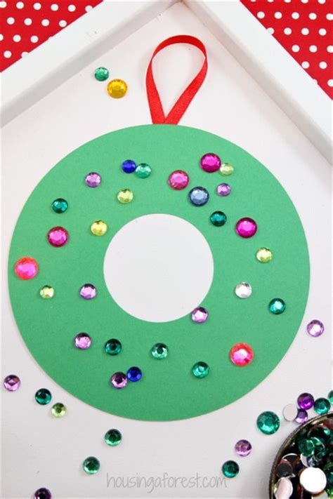 easy construction paper crafts for construction paper wreath housing a forest