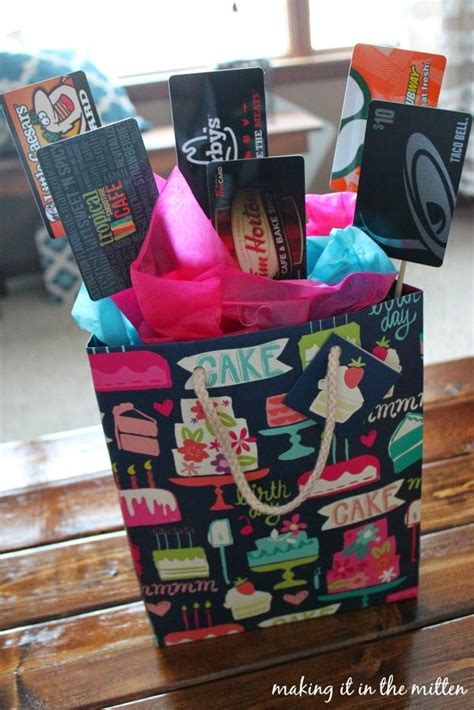 how to make a gift card basket top 25 ideas about gift card bouquet on gift
