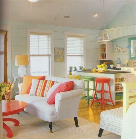 happy paint colors for living room tons neutros decorar casas de praia