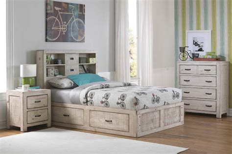 white captains bed white captains bed
