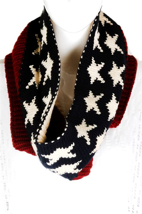 who knitted the american flag knitted american flag infinity scarf scarves