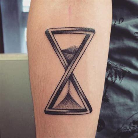 r 233 sultat de recherche d images pour quot sablier tatouage homme avant bras quot