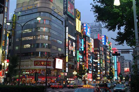 in tokyo shinjuku 新宿区 gaijin