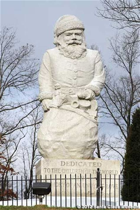 santa statues world s oldest santa statue santa claus indiana