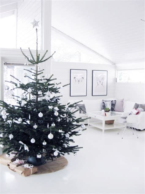 contemporary tree decorating ideas 22 minimalist and modern tree d 233 cor ideas digsdigs