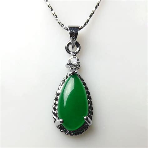 wholesale pendants for jewelry high quality green jade pendant wholesale necklace pendant