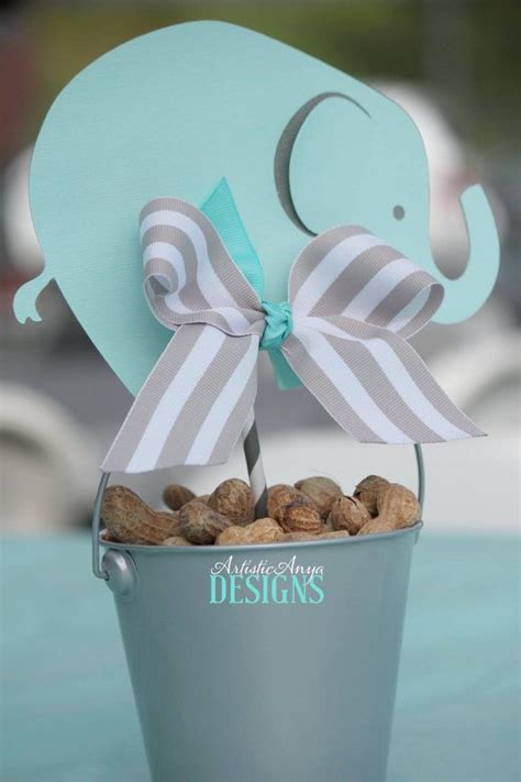 elephant themed baby shower centerpieces 25 best ideas about baby shower centerpieces on