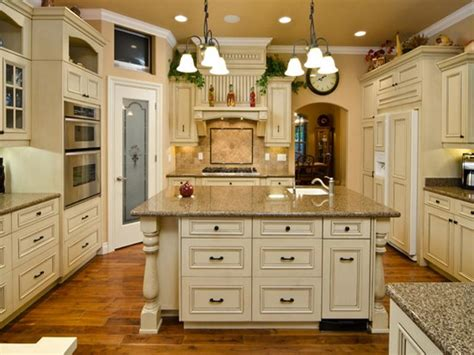 best paint colors for kitchen with cabinets how to choose the best color for kitchen cabinets your
