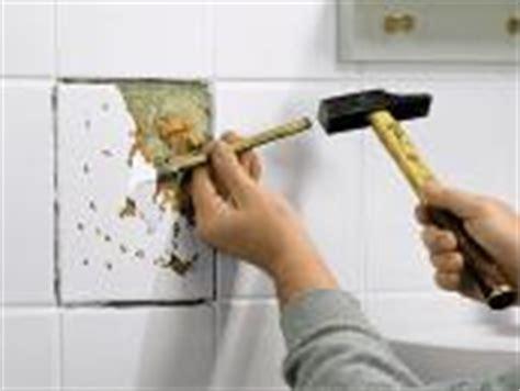 beschädigte fliesen austauschen kleinreparaturen in bad und wc bauhaus