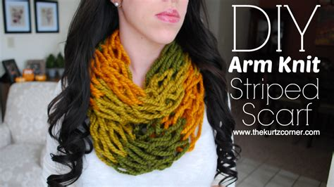 diy arm knitting infinity scarf 11 diy ways how to arm knit an infinity scarf in just 30