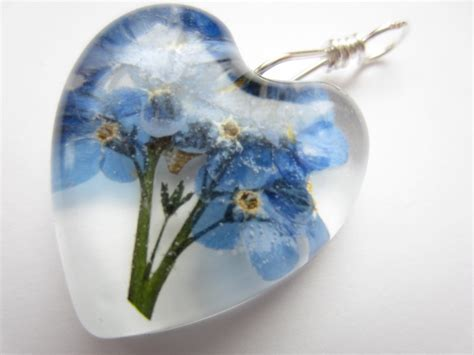 how to make resin jewelry with flowers dried flower resin pendant pressed flower pendant forget