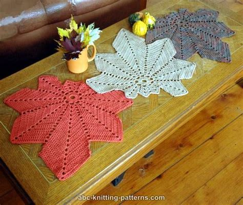 free knitted table runner patterns abc knitting patterns chestnut leaf table runner and