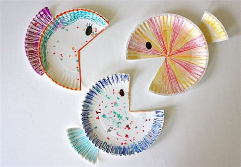 simple crafts paper plate fish made everyday