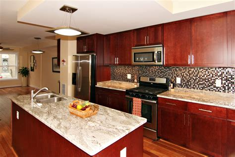 Cherry Cabinets by Cherry Kitchen Cabinets With Backsplash Roselawnlutheran