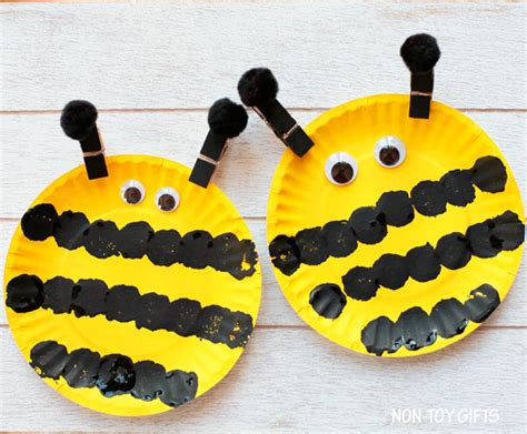 paper plate bumble bee craft easy paper plate bee craft for non gifts
