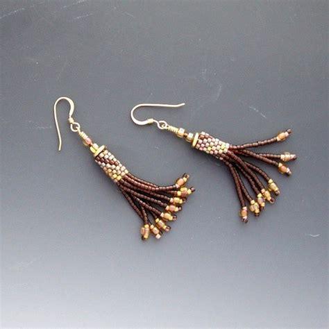 beaded fringe earrings tutorial 25 best ideas about peyote earrings on peyote