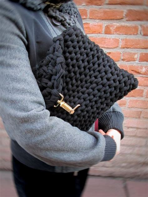how to knit a purse black knit clutch chunky knit black bag bulky knit purse