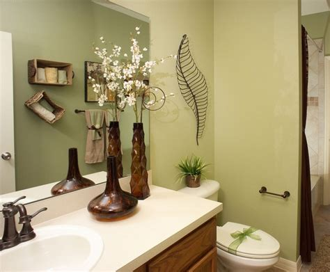 Decorating Ideas For Bathrooms On A Budget top 10 bathroom decorating ideas on a budget with pictures