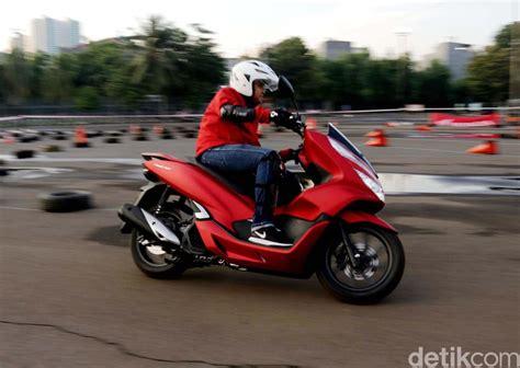 Pcx 2018 Merah Doff by Pcx Sudah Terpesan 12 000 Unit Ini Warna Yang Diminati