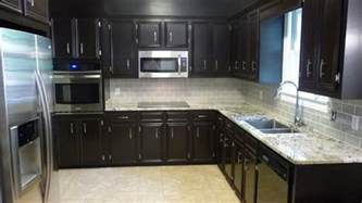 kitchen cabinet backsplash ideas light colored tile backsplash ideas with cabinets