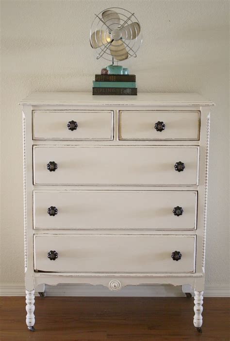 Shabby White Dresser With Chalk Paint