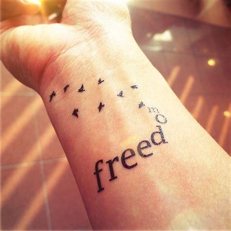 40 elegant birds wrist tattoos design