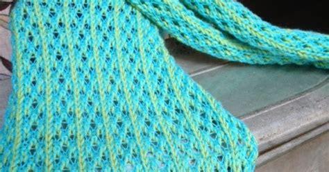 knitting set up row kriskrafter with thread lace patterns on my kh