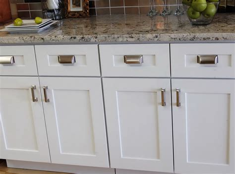 kitchen knobs and pulls ideas kitchen cabinets door handles and knobs home design ideas
