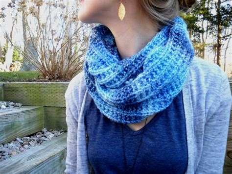 how to knit an infinity scarf with needles blues infinity scarf free pattern knit cro cowl