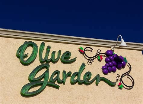 15 things you don t about olive garden eat this not that